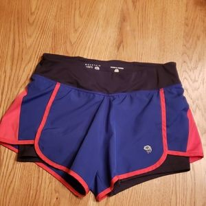 Mountain Hardwear shorts sz sm